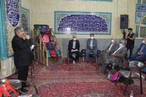 با همت مرکز نیکوکاری و خیران اصناف و بازار استان البرز : 3300 بسته آموزشی به دانش آموزان مناطق کم برخوردار کشور اهداء شد .