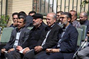 پیکرشهید گمنام با حضور مردم شهید پرور کرج از مقابل اداره کل تعزیرات حکومتی استان البرز تشییع شد .